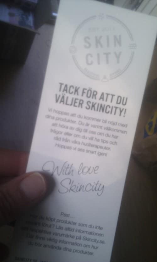 Just det, sen thar vi tagit fram nya tackkort till alla våra fina kunder :)