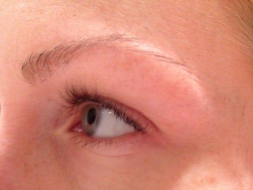 Ofärgade ögonbryn