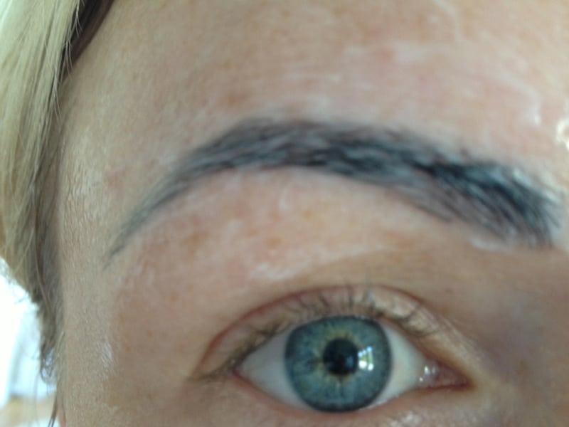 torr hud ögonbryn