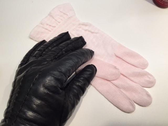 handskar för torra händer