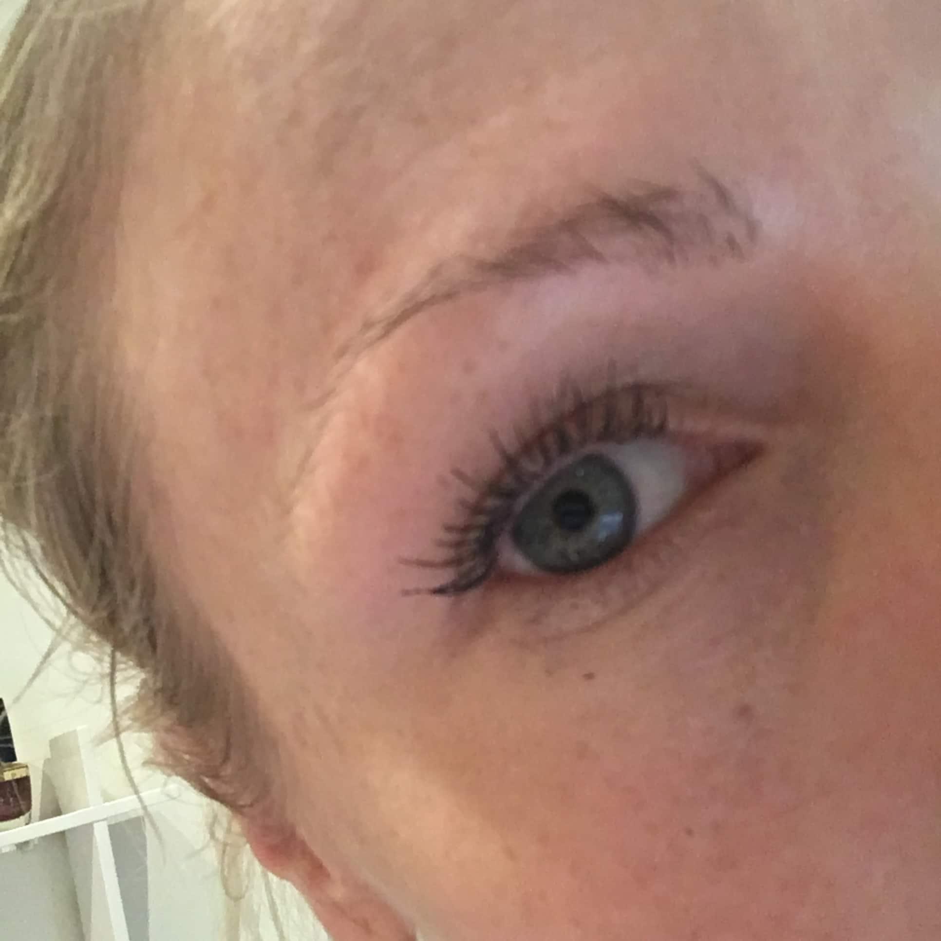 hur ofta färga ögonbryn