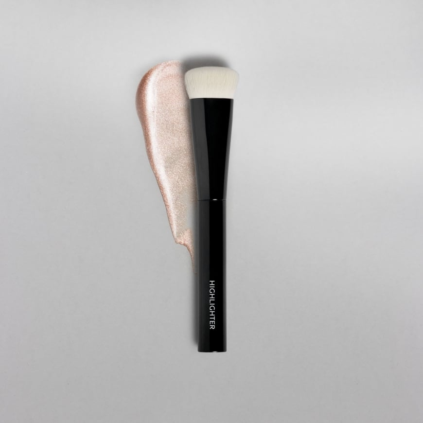 MAKETHEMAKE Highlighting Brush