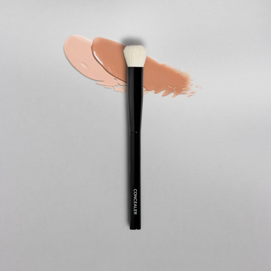 MAKETHEMAKE Concealer Brush