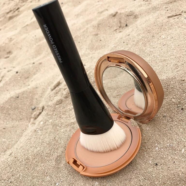 Vattenresistent makeup och solskydd i ett från Sensai