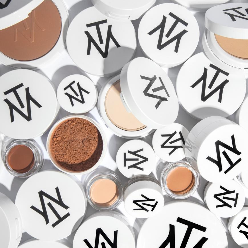 Makethemake lanserar makeup