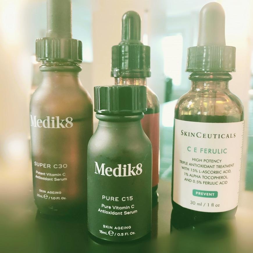 Bild på olika typer av serum som innehåller C vitamin