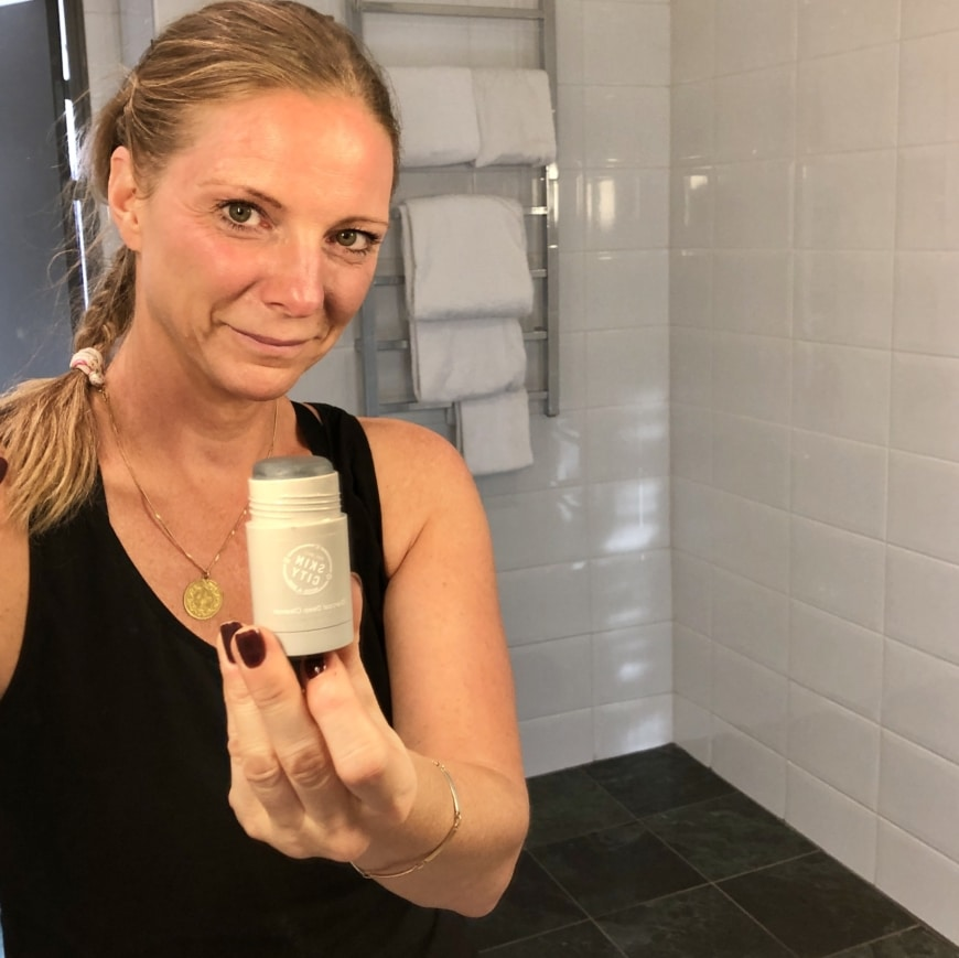 Yasemin och Charcoal deep cleanser stick