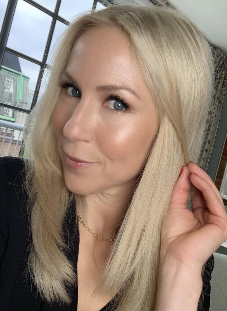 makeup bas