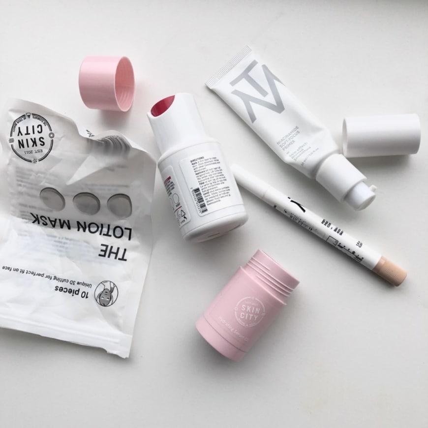 tomma förpackningar med Makethemake, Skincity skincare och skincity essentials