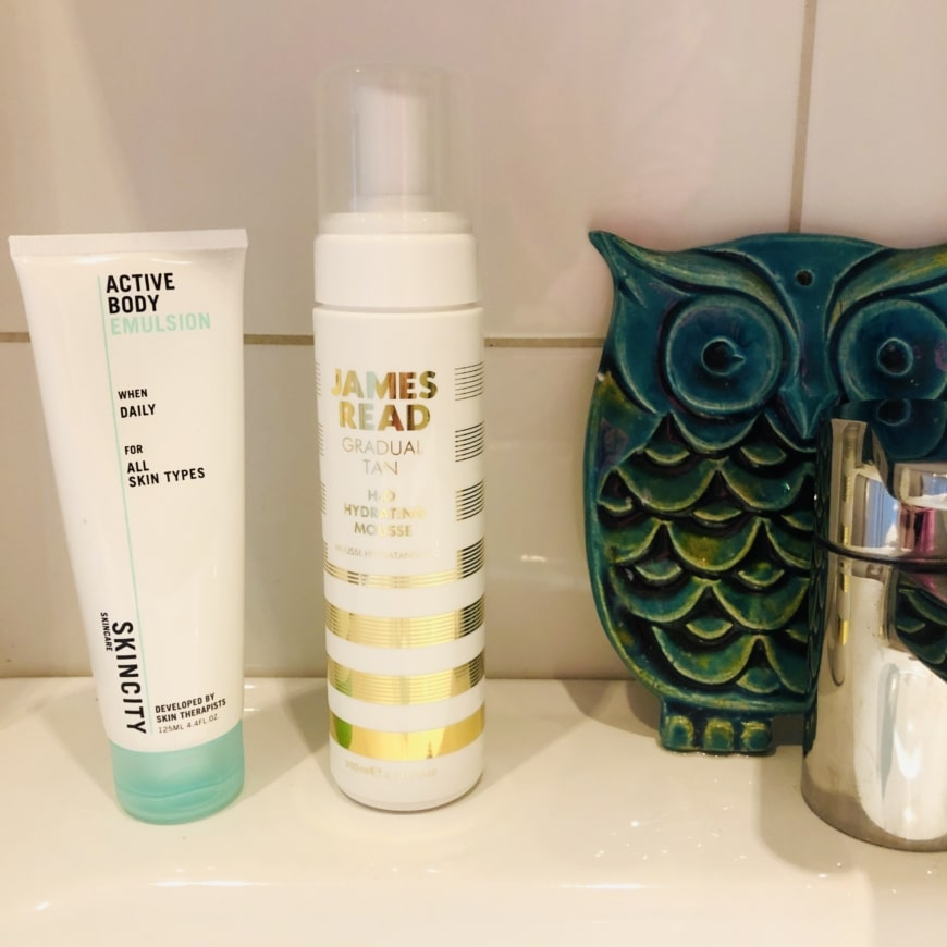 Skincity skincare Active Body Emulsion och James Read Gradual Tan H2O Hydrating Mousse