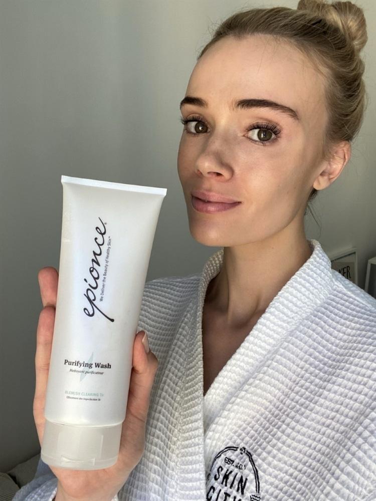 Epionce rengöring för acne