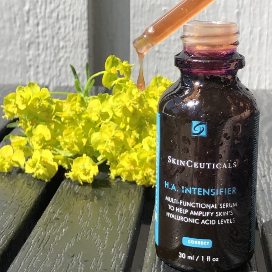 SkinCeuticals H.A Intensifier konsistens