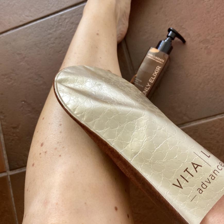 BUS-applicering med Vita Liberata gold tanning mit